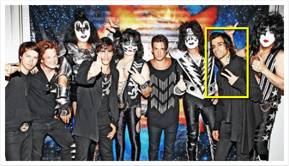 "guitarist Steve Mastroianni (aka ""VOID"") on tour with KISS"